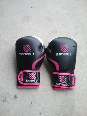 Boxing gloves for Sale in City of Industry, CA
