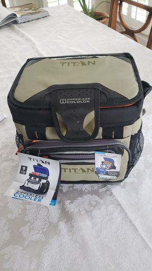 Titan zipless cooler 9 cans +ice for Sale in Winston-Salem, NC