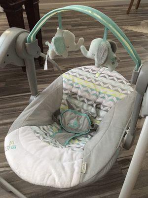Baby Swing for Sale in Goodyear, AZ
