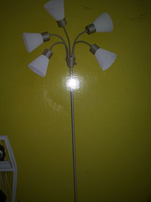 New floor lamp for Sale in Rancho Cucamonga, CA
