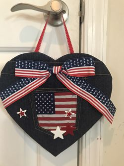 FREE ! With and purchase Adorably Cute!!! Patriotic wall party decor! for Sale in Gainesville,  VA