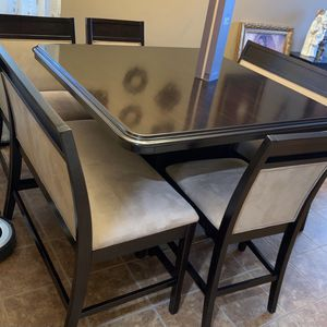 Dining Room Seats 7 for Sale in Riverside, CA
