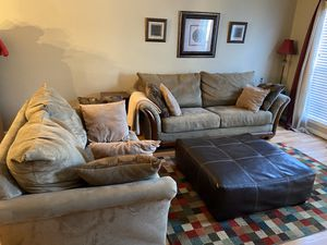 Living Room Suit w/ Wall art, rug,lamp, curtains, EVERYTHING! for Sale in Greensboro, NC