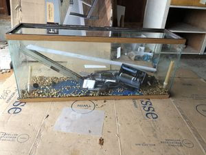 60 gal fish with lights and pump for Sale in Portland, OR