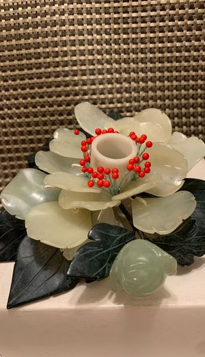 JADE FLOWER CANDLE HOLDY CHANDELIER EN FLE UR DE JADE for Sale in El Cajon, CA