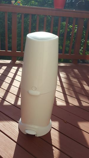 Playtex Diaper Genie Complete Diaper Pail with Odor Lock Technology, White for Sale in Centreville, VA