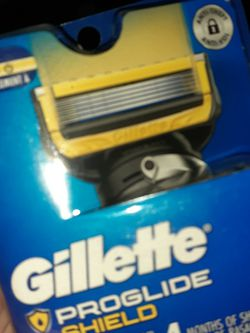 Gillette proglide Shield 4 Pack $13 3 Available for Sale in Bethel,  OH