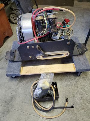 Warn 8200 winch for Sale in Puyallup, WA