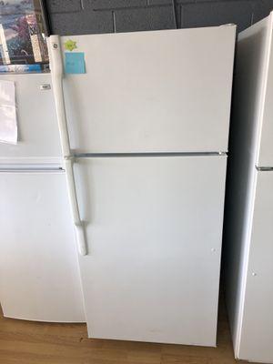 GE white top freezer refrigerador for Sale in Woodbridge, VA