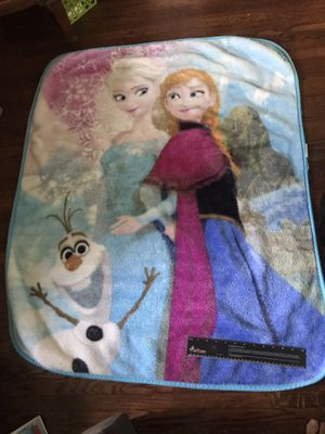 Anna and Elsa Frozen blanket, good size for toddler for Sale in Alhambra, CA
