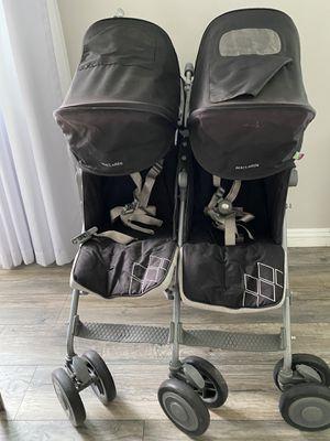 Maclaren twin double stroller for Sale in Los Angeles, CA
