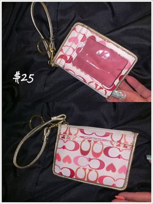 Small Coach wristlet for Sale in Brook Park, OH