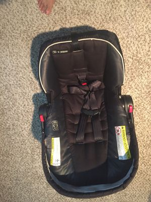 Graco snugride 35 car seat for Sale in O'Fallon, MO