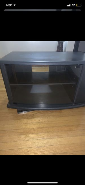 Swivel Tv stand 2 shelves and side storage for Sale in Chicago, IL
