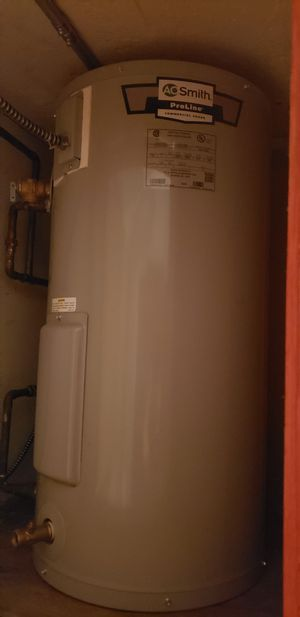 20 gallon hot water heater for Sale in New York, NY