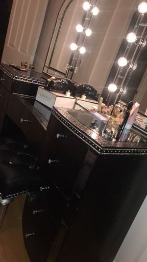 Black Vanity for makeup use for Sale in Los Angeles, CA