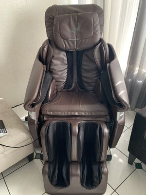 Full body Massage chair for Sale in Long Beach, CA