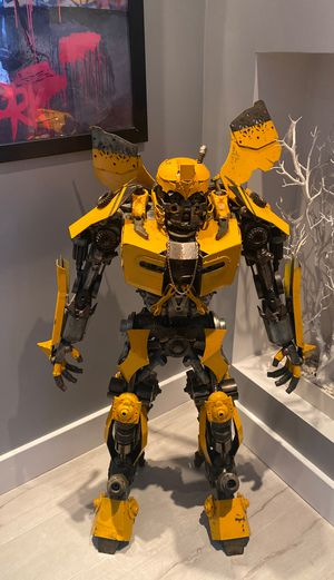 4 foot all metal bumble bee statue for Sale in Los Angeles, CA