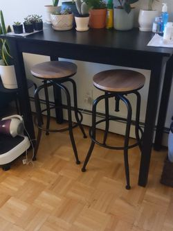 Counter Height Table And Stools for Sale in Brooklyn,  NY