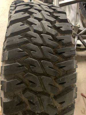37x12.5x17 Goodyear Wrangler for Sale in Wildomar, CA