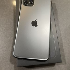iPhone 11 Pro Max 256 GB for Sale in San Marcos, CA