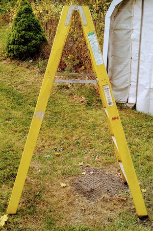 Double-sided ladder like new for Sale in Littleton, MA