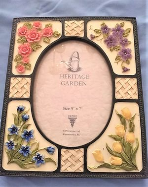 """HERITAGE GARDEN FLORAL HAND PAINTED PICTURE FRAME 5"""" X 7"""" PHOTOS, New-- for Sale in Northfield, OH"""