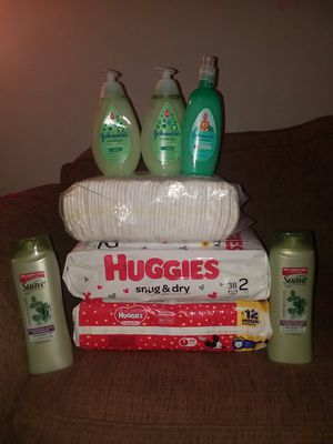 House bundle 1 pack of pampers size 1 and 2 packs of huggies size 1 and size 2 including everything in the photo with johnson baby shampoo all new for Sale in Columbus, OH