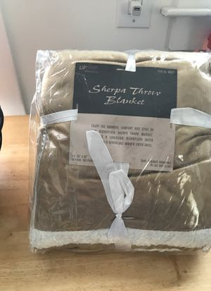 Sherpa throw blanket for Sale in Wallingford, CT