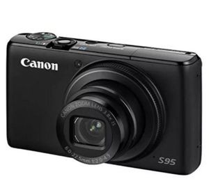Canon PowerShot S95 10 MP Compact Digital Camera (FREE DELUXE CASE INCLUDED) for Sale in Potomac, MD