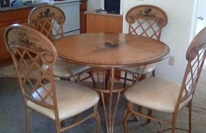 Country kitchen table and chairs for Sale in Lynnwood, WA