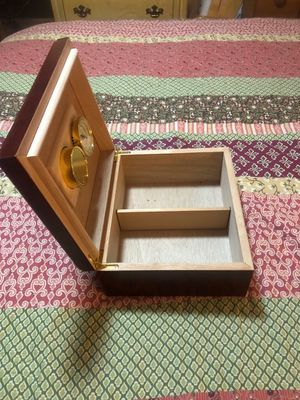 Cigar humidor for Sale in New Hradec, ND
