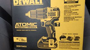 dewalt 20 volt hammer drill/driver kit for Sale in Seattle, WA