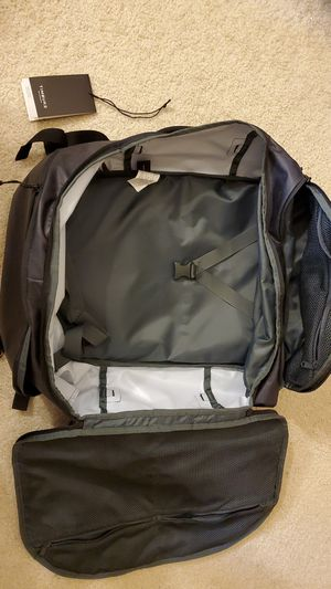 Timbuk2 40L Travel Backpack/Duffle for Sale in Richardson, TX