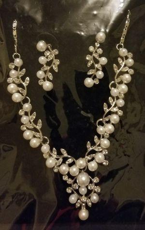 No brand ( silver/pearl/diamond jewelry set) for Sale in Pawtucket, RI