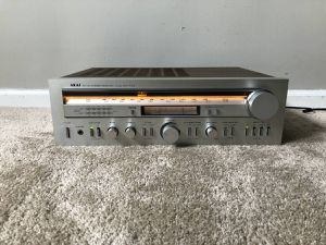 AKAI AA-R40 Home Stereo Vintage Receiver for Sale in Mount Prospect, IL