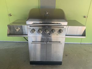 Charbroil Classic BBQ grill - stainless for Sale in Redlands, CA