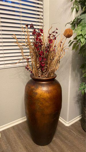 Flower pot for Sale in Riverside, CA