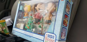 Peanuts collectible toys and lunch box for Sale in Hendersonville, TN