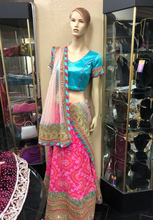 Indian lehanga with blouse and heavy scarf for Sale in Artesia, CA