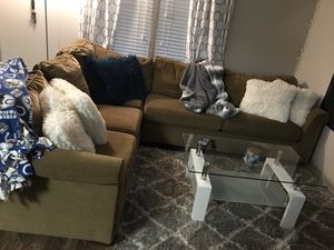 White glass top coffee table for Sale in Lexington, KY
