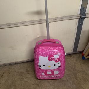Hello Kitty Suitcase for Sale in Shelbyville, TN