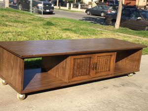 Coffee table in very good condition. for Sale in Fresno, CA