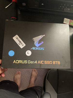 A0RUS Gen 4 AIC SSD 8Tb for Sale in Carthage, NY