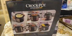 Crock.pot instant pot 4Q for Sale in Suffolk, VA
