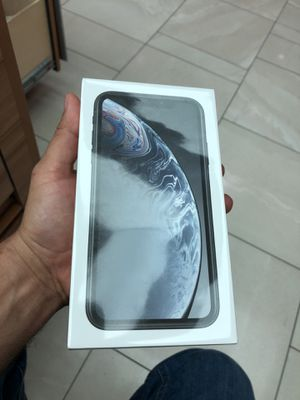 Iphone Xr verizon or att for Sale in Roswell, GA