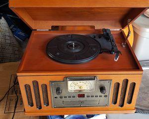 Crosley cr704 record, cassette, cd player, am/fm radio for Sale in Longwood, FL