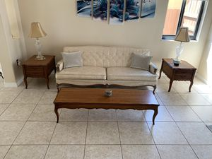 French style 5 piece living room set for Sale in Miami, FL