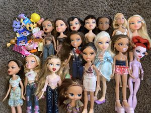 Dolls/Bratz/Barbie/monster high/munecas for Sale in Santa Ana, CA