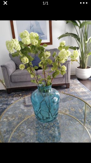 """Large glass vase Height: 13"""" *flowers not included for Sale in Norcross, GA"""